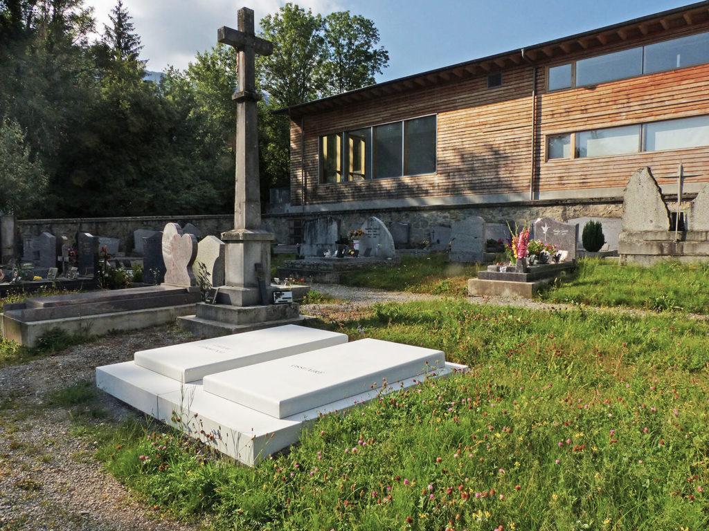 Monument funéraire haute-savoie,